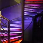 Escalier éclairé par LED. source : dmx74.com